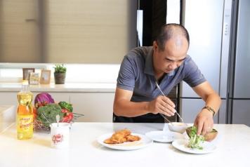 Câu chuyện 'cơm nhà, cơm khách' của giám khảo MasterChef VN
